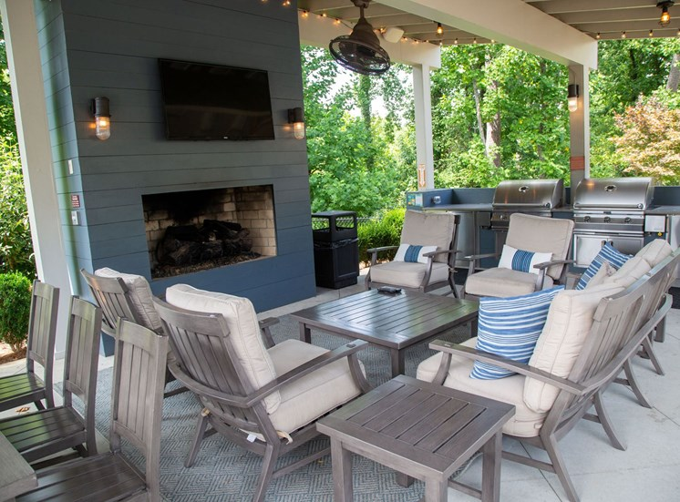 Woodstock West by Walton Apartment Homes  Outdoor Fireplace and Grills