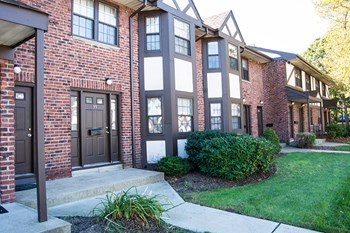 29 Buffalo Avenue 1 Bed Apartment for Rent Photo Gallery 1