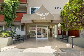 5140 White Oak Avenue 2 Beds House for Rent Photo Gallery 1