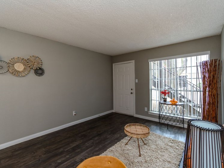 Spacious Apartments in Pasadena, TX