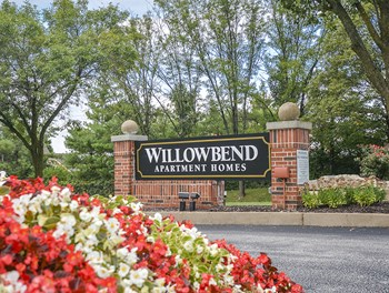 14343 Willowbend Park 1-2 Beds Apartment for Rent Photo Gallery 1