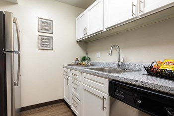 5370 Knoll Creek Drive 1-2 Beds Apartment for Rent Photo Gallery 1