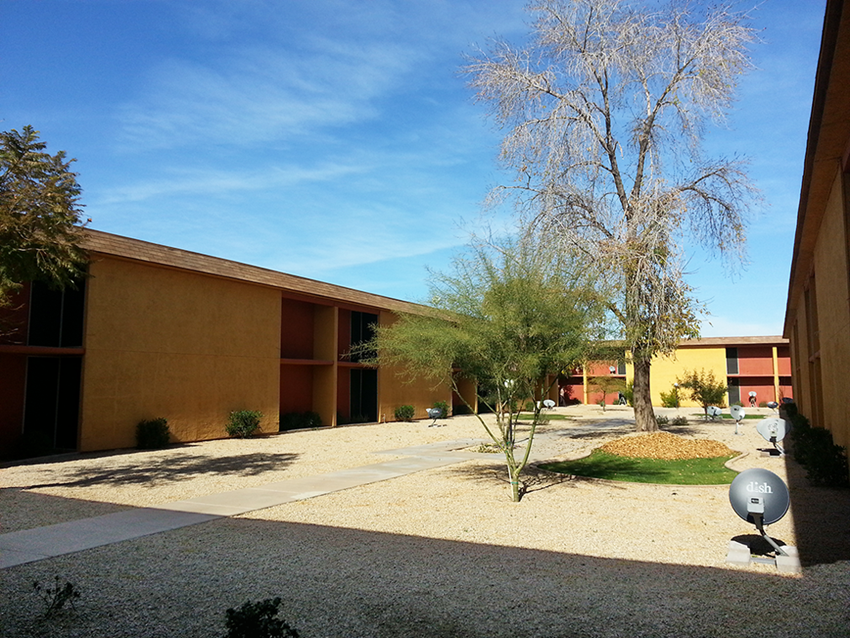Exterior & Landscaping at Tanner Gardens in Phoenix, AZ