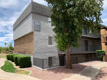11050 North Biltmore Drive Studio-2 Beds Apartment for Rent Photo Gallery 1