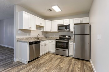 6041 West Thomas Road 1-2 Beds Apartment for Rent Photo Gallery 1