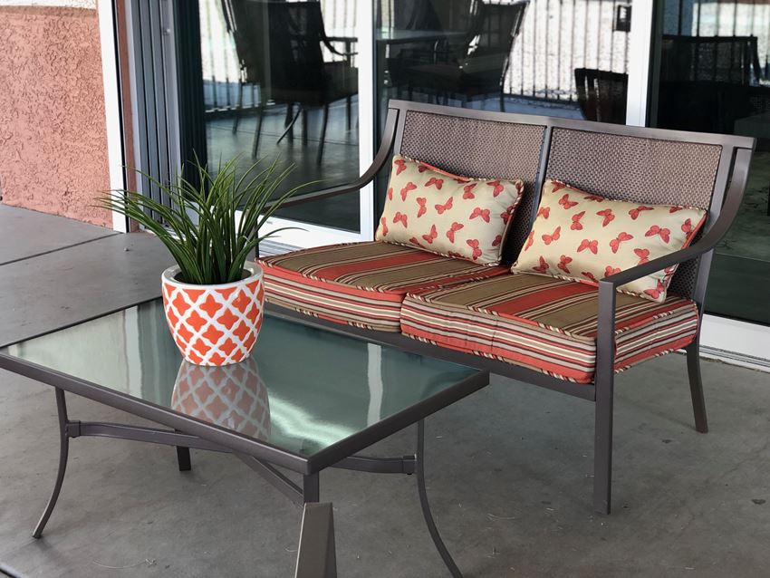 Outside seating at Mission Vista Apartments in Tucson Arizona