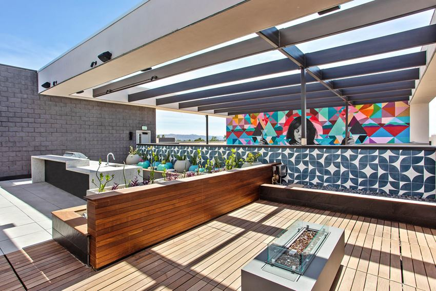 Trovita Rio Rooftop Grill and Fireplace