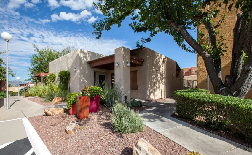 exterior and landscaping at Zona Verde Apartments in Tucson AZ