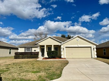 3871 Falcon Crest Dr. 3 Beds House for Rent Photo Gallery 1