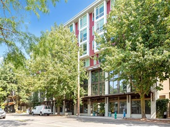5020 California Ave SW Studio Apartment for Rent Photo Gallery 1