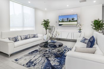 275 Fontainebleau Blvd 1-2 Beds Apartment for Rent Photo Gallery 1