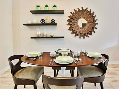 The Highland Apartments Phoenix dining room