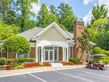 7200 Peachtree Dunwoody Rd 1-3 Beds Apartment for Rent Photo Gallery 1