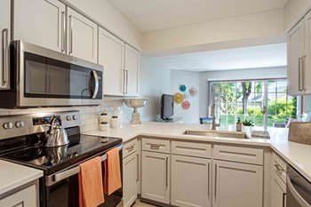 8630 Summer Wind Alcove 2 Beds Apartment for Rent Photo Gallery 1