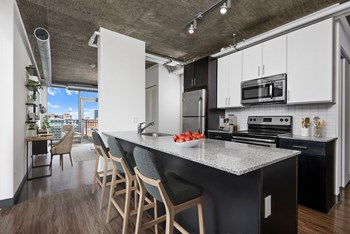 601 W Jackson Blvd Studio-2 Beds Apartment for Rent Photo Gallery 1