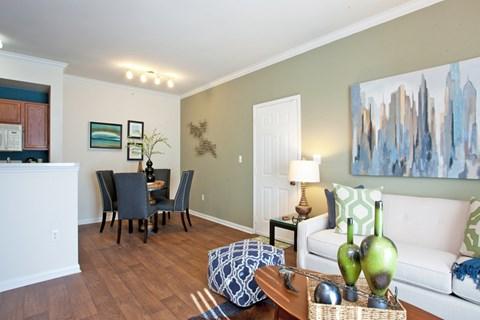 grand prairie apartments, apartments for rent in grand prairie, open floorplan, natural sunlight