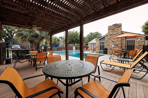 Motif South Lamar Pool Lounge Area