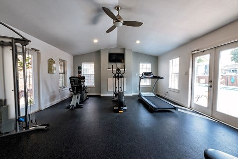 Motif South Lamar Fitness Center with Cardio Machines