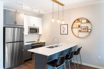 150 Snelling Ave North Studio-2 Beds Apartment for Rent Photo Gallery 1