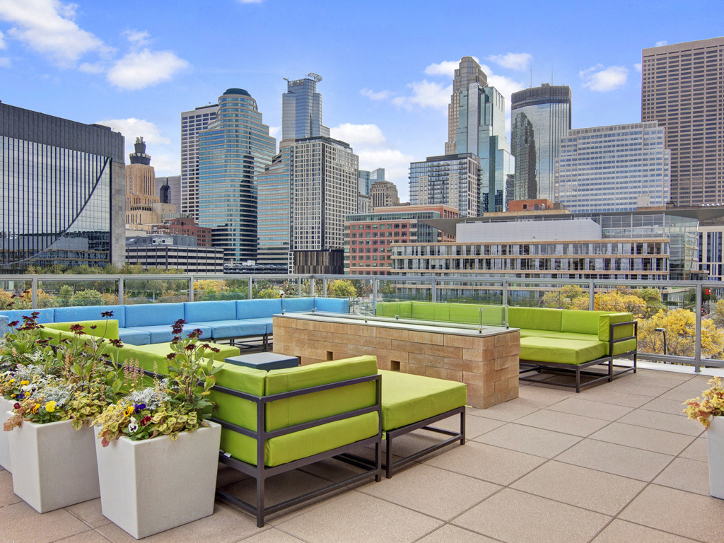 222 Hennepin Outdoor Lounge