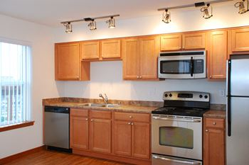 21428 International Blvd. Studio-2 Beds Apartment for Rent Photo Gallery 1