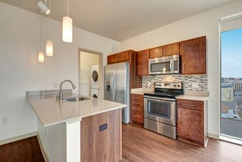 1437 N Jefferson St Studio-2 Beds Apartment for Rent Photo Gallery 1