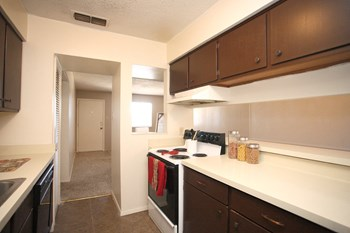 2800 South 25Th St. 1 Bed Apartment for Rent Photo Gallery 1