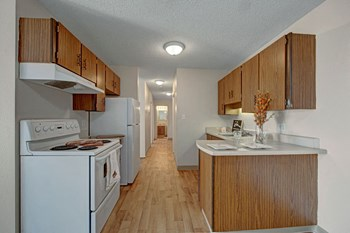 5308 - 147Th Ave Studio-2 Beds Apartment for Rent Photo Gallery 1