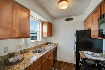 3939 Tanglewood Lane 3 Beds Apartment for Rent Photo Gallery 1