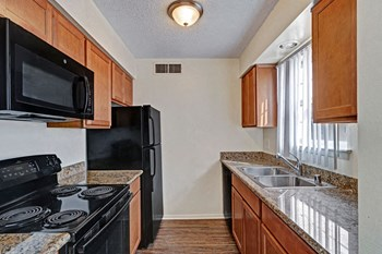 3939 Tanglewood Lane 1-3 Beds Apartment for Rent Photo Gallery 1