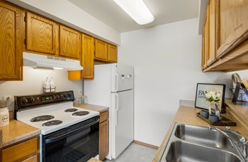1340 W 26Th Ave 1 Bed Apartment for Rent Photo Gallery 1