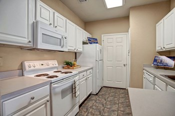 7777 South Memorial Dr. 2 Beds Apartment for Rent Photo Gallery 1