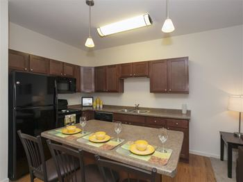 3401 Harvest Hills Ave. 1-2 Beds Apartment for Rent Photo Gallery 1