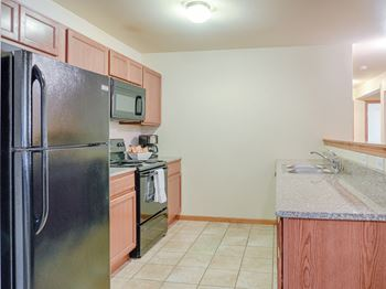 2915 26th St. W. #101 2-4 Beds Apartment for Rent Photo Gallery 1