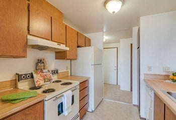 28425 - 18Th Avenue South 2 Beds Apartment for Rent Photo Gallery 1