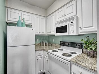 9425 S Riverside Dr. 1 Bed Apartment for Rent Photo Gallery 1