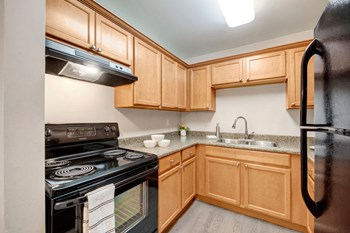 4807 137Th Avenue NW 1-2 Beds Apartment for Rent Photo Gallery 1