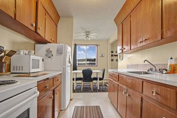3050 2nd Ave W #1 Studio-1 Bed Apartment for Rent Photo Gallery 1