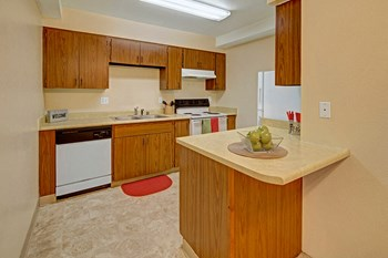 625 W 46Th Ave 1-2 Beds Apartment for Rent Photo Gallery 1