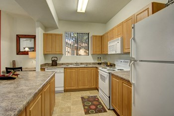 7205 West McDowell Road 3 Beds Apartment for Rent Photo Gallery 1