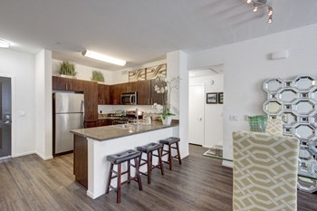 211 W Rincon St 1 Bed Apartment for Rent Photo Gallery 1