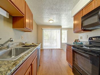 4000 W. Illinois Ave 1-2 Beds Apartment for Rent Photo Gallery 1