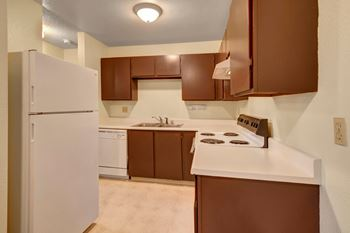 1204 Norman St #32 1-2 Beds Apartment for Rent Photo Gallery 1