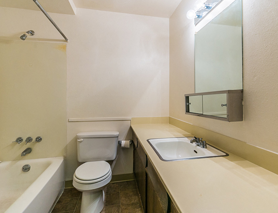Broadmoor Park Terrace Bathroom
