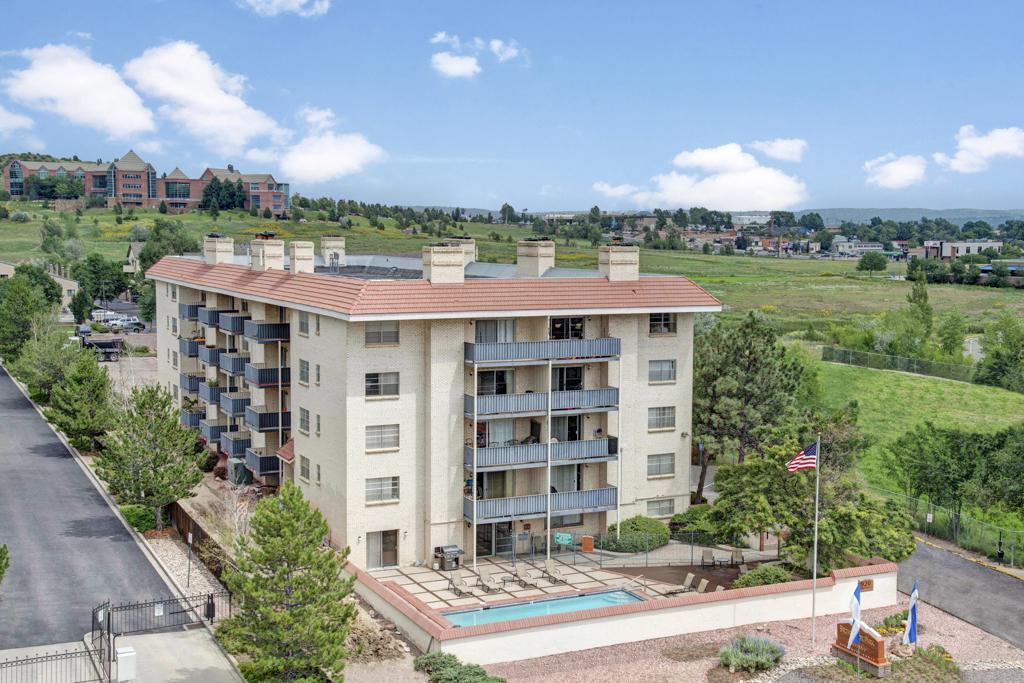 Broadmoor Park Terrace Full View
