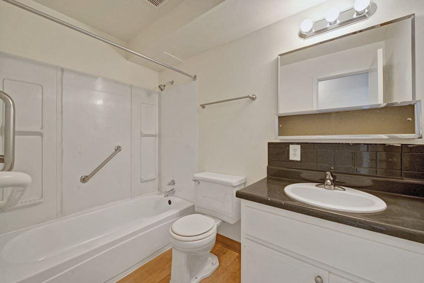 Broadmoor Park Tower Bathroom