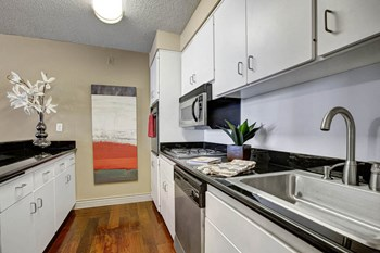 1500 7Th St Studio-1 Bed Apartment for Rent Photo Gallery 1