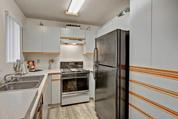 2065 W College Avenue 1-2 Beds Apartment for Rent Photo Gallery 1