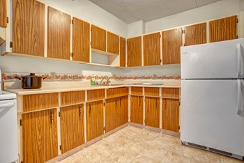 2131 Broad Street Office 1-2 Beds Apartment for Rent Photo Gallery 1