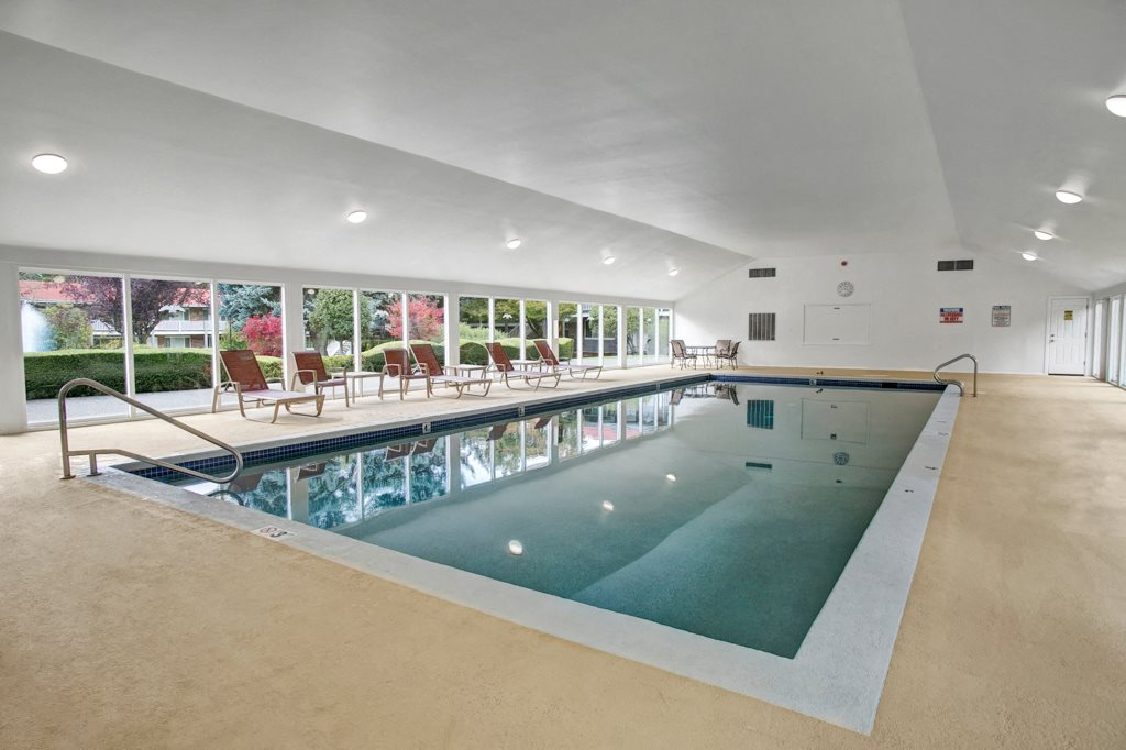 Colonial Square Indoor Pool